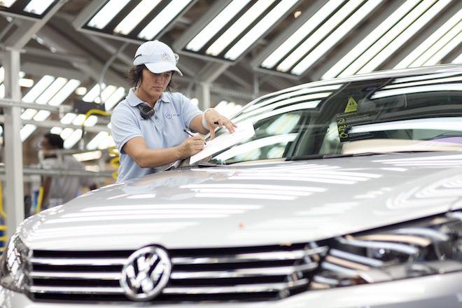 Όμιλος Volkswagen: Καθυστερεί η παραγωγή περίπου 250.000 αυτοκινήτων