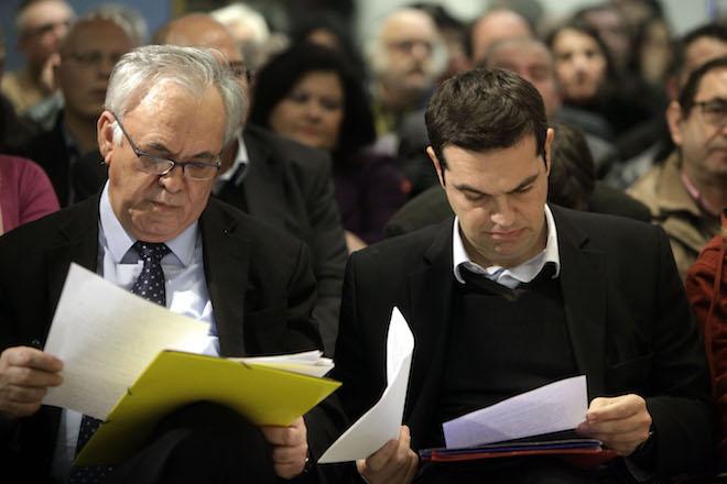 Στο «συρτάρι» Μνημόνιο και Grexit – Νέα αναπτυξιακή στρατηγική προετοιμάζει η κυβέρνηση