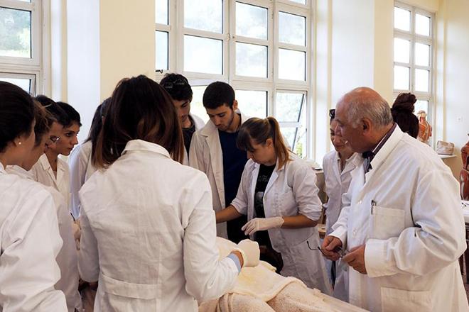 Σπουδάζουν στην Ιατρική Αθηνών οι καλύτεροι γιατροί του κόσμου;
