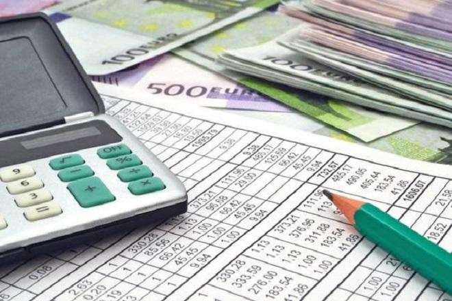 Πώς φορολογούνται μισθωτοί με μπλοκάκια