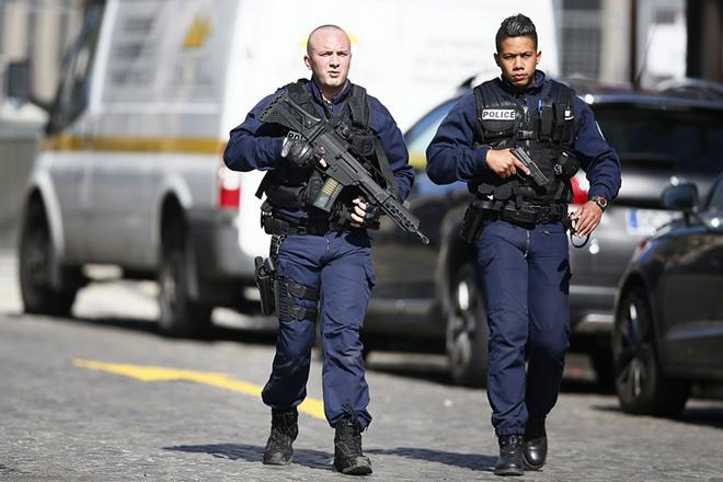 Έκρηξη παγιδευμένου δέματος στη Λιόν – Αντίδραση Μακρόν για την επίθεση