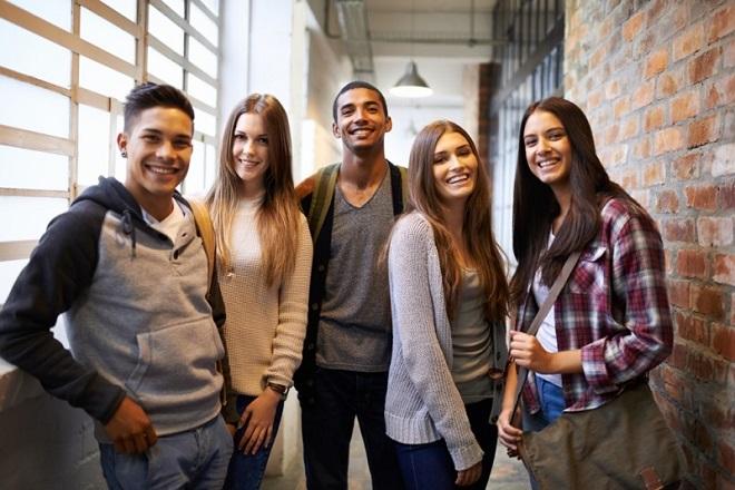 Η Adecco ανοίγει τις πόρτες της στους νέους επαγγελματίες