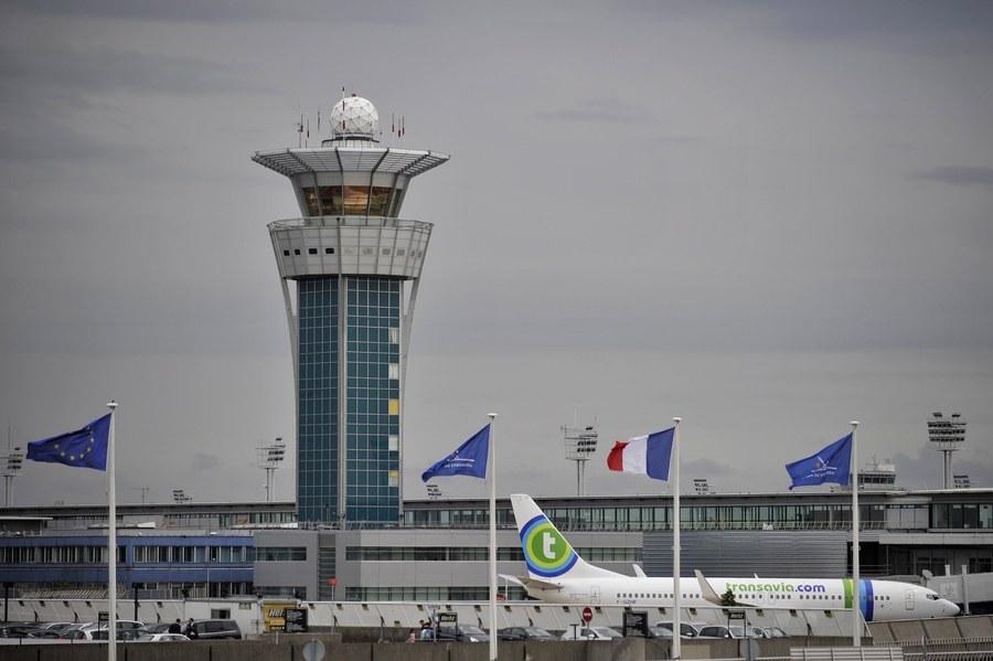 Ένας νεκρός από πυροβολισμούς σε γαλλικό αεροδρόμιο