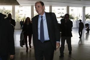 Ο υπουργός Περιβάλλοντος και Ενέργειας Γιώργος Σταθάκης (Κ) προσέρχεται για την συνάντησή του με τους θεσμούς, Αθήνα Τρίτη 28 Φεβρουαρίου 2017. Κεντρικό θέμα για την ελληνική κυβέρνηση στις διαπραγματεύσεις που τώρα ξεκινούν, είναι «ο προσδιορισμός του ύψους των μέτρων, θετικών και αρνητικών», επισημαίνει κυβερνητική πηγή σε επικοινωνία που είχε με το ΑΠΕ -ΜΠΕ. ΑΠΕ-ΜΠΕ/ΑΠΕ-ΜΠΕ/ΓΙΑΝΝΗΣ ΚΟΛΕΣΙΔΗΣ