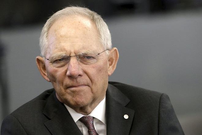 Σόιμπλε: Η Ελλάδα θα παραμείνει στο ευρώ μόνο με ανταγωνιστική οικονομία