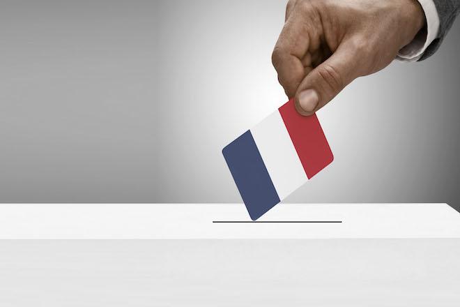 Γαλλία – Εκλογές: Μάχη στήθος με στήθος μια εβδομάδα πριν τον πρώτο γύρο