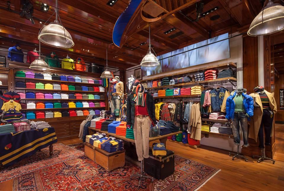 Ralph Lauren: Kαταργεί θέσεις εργασίας και κλείνει καταστήματα