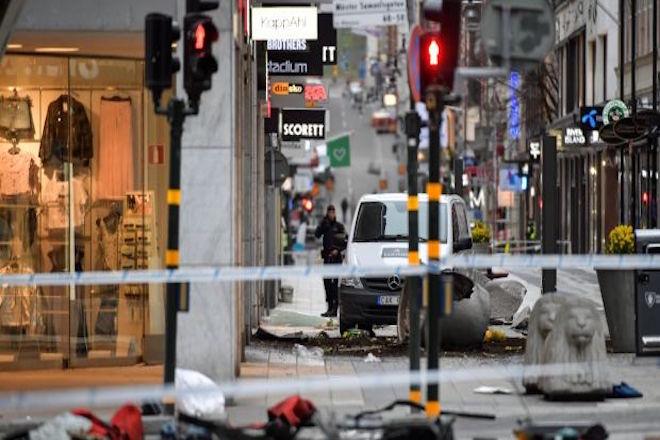 Με διαδήλωση «για την αγάπη» απαντούν οι Σουηδοί στην τρομοκρατία