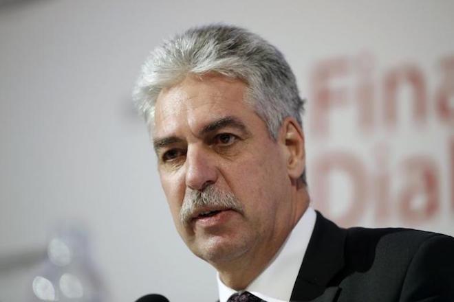 Επενδυτικό πρόγραμμα 1 δισ. ευρώ για την Ελλάδα, προτείνει ο ΥΠΟΙΚ της Αυστρίας