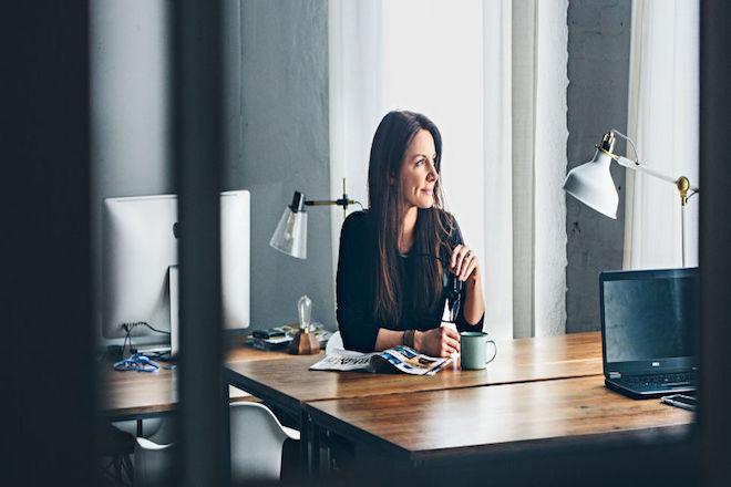 Τέσσερις γυναίκες στη λίστα με τους δέκα πιο ακριβοπληρωμένους CEO