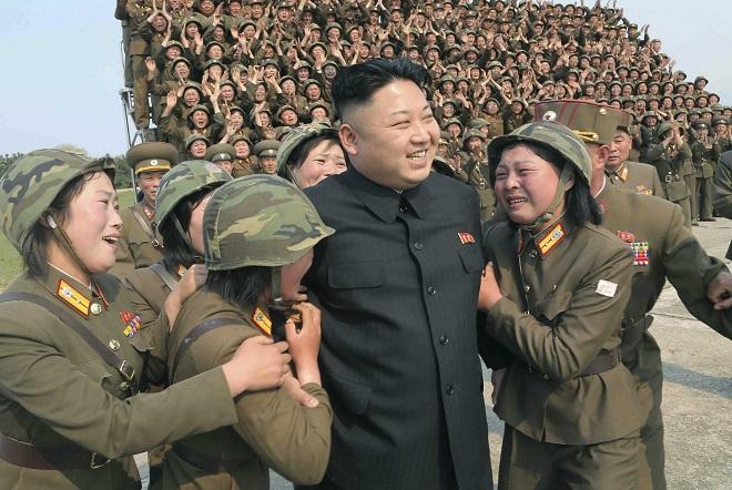 Η Βόρεια Κορέα προχώρησε στην εκτόξευση τριών βαλλιστικών πυραύλων
