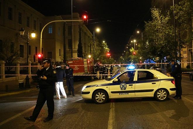 Έκρηξη βόμβας στη Eurobank: Συνεχίζονται οι έρευνες της Αντιτρομοκρατικής