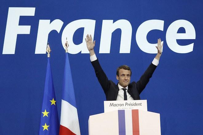Γαλλικές εκλογές: Νίκη Μακρόν, μάχη με Λεπέν στον β' γύρο