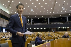 epa05930187 Dutch Finance Minister and President of Eurogroup Jeroen Dijsselbloem speaks during presention of the State of Play of the second review of the economic adjustment programme for Greece at a mini-plenary session of the European Parliament in Brussels, Belgium, 27 April 2016.  EPA/OLIVIER HOSLET