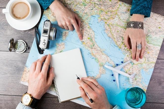 Tα επαγγέματα που προσφέρουν αμέτρητα ταξίδια, αλλά και έναν γενναιόδωρο μισθό