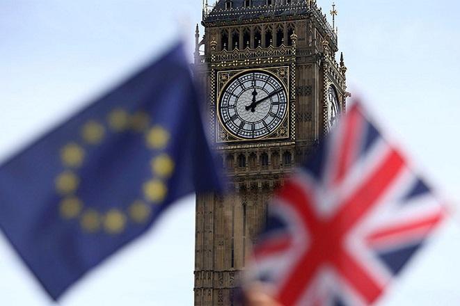 Στα 100 δισ. ευρώ ο «λογαριασμός» του Brexit από την ΕΕ