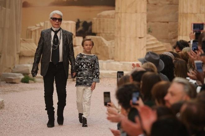 Ύμνος στην αρχαία Ελλάδα η επίδειξη της Chanel