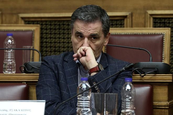 Ο υπουργός Οικονομικών Ευκλείδης Τσακαλώτος παρίσταται στο συνέδριο με θέμα «Κρίση – Μεταρρυθμίσεις – Ανάπτυξη». που διοργανώνει το Γραφείο Προϋπολογισμού του Κράτους στη Βουλή, στην αίθουσα της Γερουσίας, Αθήνα, Τρίτη 28 Μαρτίου 2017. ΑΠΕ-ΜΠΕ/ΑΠΕ-ΜΠΕ/ΣΥΜΕΛΑ ΠΑΝΤΖΑΡΤΖΗ