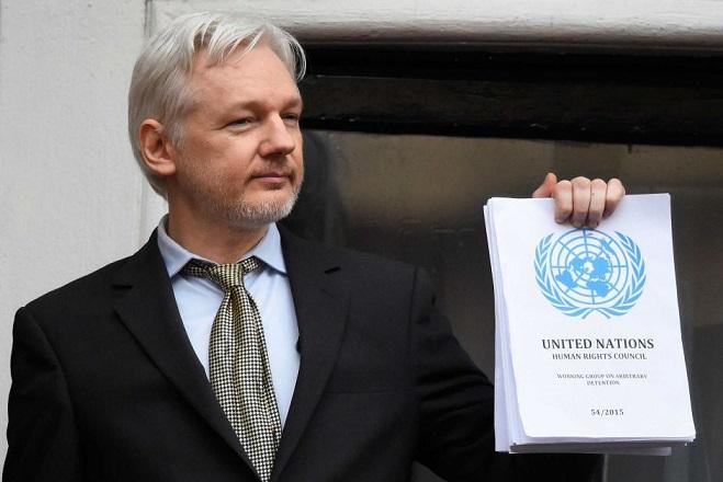 Αποσύρεται το σουηδικό ένταλμα σύλληψης για τον Άσανζ