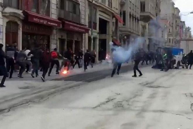 Επίθεση σε φιλάθλους του Ολυμπιακού από Τούρκους χούλιγκαν στην Κωνσταντινούπολη