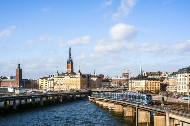 Η πρώτη χώρα που διαθέτει τη γη της στο Airbnb