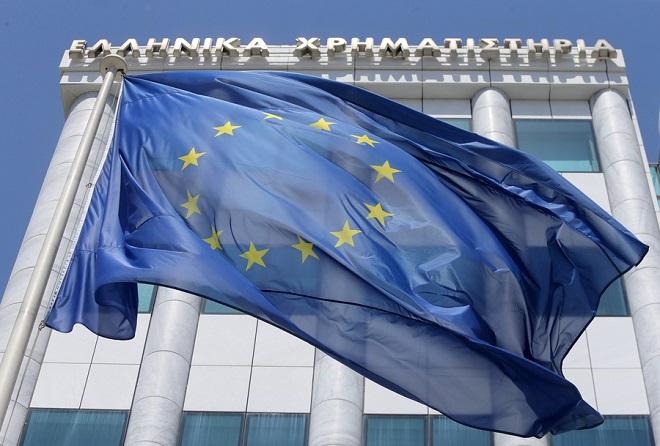 Bloomberg: Τα ελληνικά ομόλογα επέστρεψαν στις αγορές