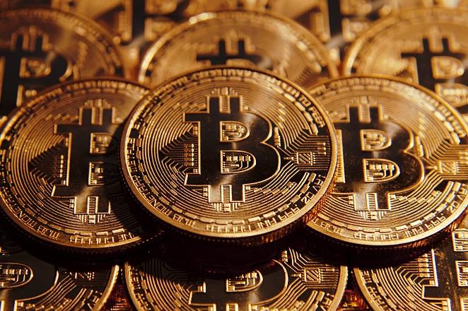 Οι λόγοι που το Bitcoin «έσπασε» το φράγμα των 2.000 δολαρίων