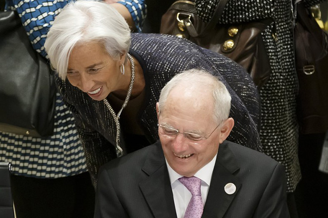 epa05854364 German Finance Minister Wolfgang Schaeuble talks to Christine Lagarde, Managing Director of International Monetary Fund (IMF), in the Convention Center during the G20 Finance Ministers and Central Bank Governors Meeting at the Kurhaus in Baden Baden, Germany, 17 March 2017. The meeting of G20 Finance Ministers and Central Bank Governors will take place in Baden-Baden on 17 to 18 March and will be chaired by Germany.  EPA/RONALD WITTEK / POOL