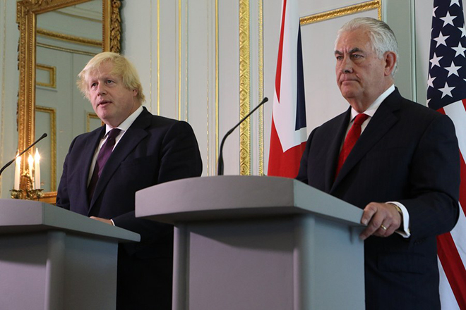 epa05991513 A handout photo made available by the FCO showing British Foreign Secretary Boris Johnson (L) meeting US Secretary of State Rex Tillerson in London, Britain, 26 May 2017. Tillerson visit comes as the US attempts to repair relations following the leaking of sensitive information in the wake of the Manchester bomb attack.  EPA/PATRICK TSUI / HANDOUT  HANDOUT EDITORIAL USE ONLY/NO SALES