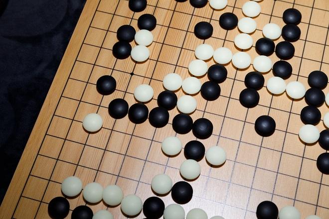 H τεχνητή νοημοσύνη κερδισε τον άνθρωπο σε επιτραπέζιο παιχνίδι