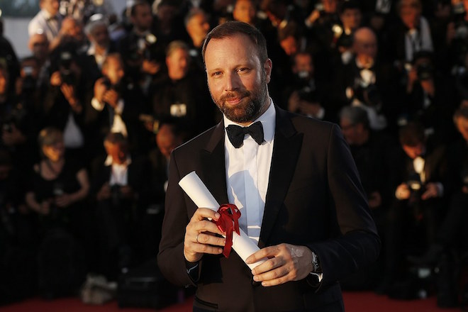 epa05996493 Greek director Yorgos Lanthimos poses during the Award Winners photocall after he won the Best Screenplay award for 'The Killing of a Sacred Deer' at the 70th annual Cannes Film Festival in Cannes, France, 28 May 2017.  EPA/GUILLAUME HORCAJUELO