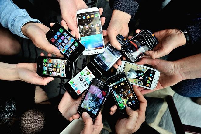 Γιατί τα τηλέφωνα είναι οι ικανότεροι κατάσκοποι του κόσμου