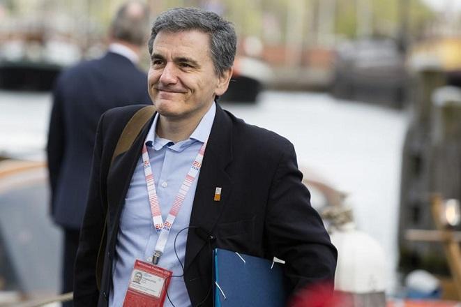 Στο Λονδίνο ο Τσακαλώτος για να «εξαργυρώσει» τη συμφωνία με επενδύσεις