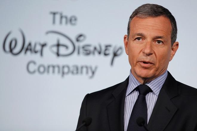 Disney: «Κόβει» τα έσοδα του CEO της κατά 13,5 εκατ. δολάρια τον χρόνο