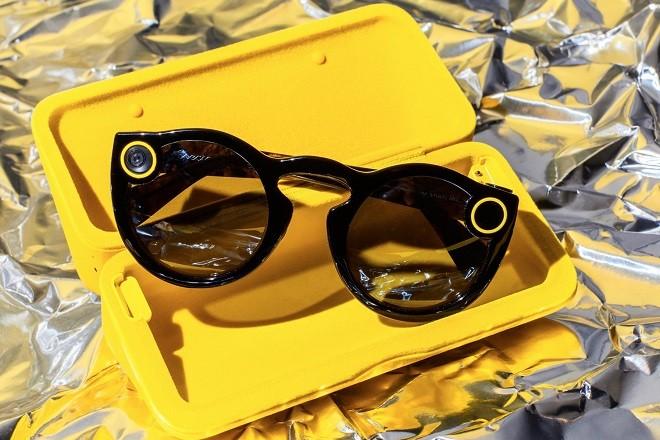 Η εταιρεία ανταλλαγής μηνυμάτων φέρνει τα γυαλιά φωτογραφικής μηχανής  Spectacles στην Ευρώπη! 34e6f027f98