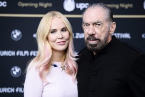 epa05552454 US businessman and actor John Paul DeJoria (R) of the movie 'Good Fortune' and his wife Eloise Broady pose on the green carpet for the 'Opening Night' during the Zurich Film Festival (ZFF) in Zurich, Switzerland, 22 September 2016. The festival runs from 22 September to 02 October.  EPA/MANUEL LOPEZ