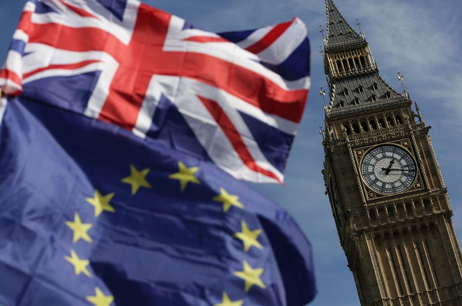 Τουσκ: Η ΕΕ είναι πάντα ανοικτή σε αλλαγή γνώμης της Βρετανίας – «To Brexit θα γίνει» απαντά η Μέι