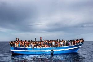 προσφυγες, μετανάστες,