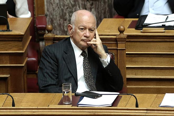 Ο υπουργός Οικονομίας και Ανάπτυξης Δημήτρης Παπαδημητρίου παρίσταται στη συνεδρίαση της Ολομέλειας της Βουλής  κατά τη συζήτηση και ψήφιση των μέτρων για το κλείσιμο της β' αξιολόγησης, Αθήνα, την Τετάρτη 17 Μαϊου 2017, ΑΠΕ-ΜΠΕ/ΑΠΕ-ΜΠΕ/ΣΥΜΕΛΑ ΠΑΝΤΖΑΡΤΖΗ