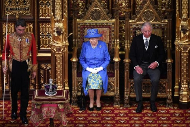 Britain's Queen Elizabeth and Prince Charles attend the State Opening of Parliament in central London, Britain June 21, 2017.   REUTERS/Carl Court/Pool