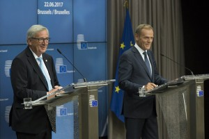 epa06043694 EU Commission President Jean-Claude Juncker (L) and European Council President Donald Tusk (R) give a joint press briefing, in Brussels, Belgium, 22 June 2017. European heads of states and governments gather for a two-days European Council meeting on 22 and 23 June which will mainly 'focus on the ongoing efforts to strengthen the European Union and protect its citizens through the work on counterterrorism, security and defence, external borders, illegal migration and economic development', the European Councils said in a press release.  EPA/EMANUEL DUNAND / POOL