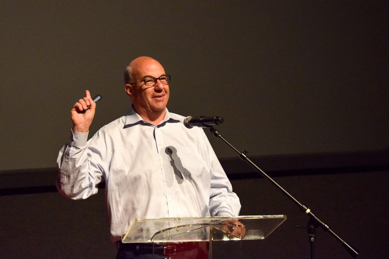 Τζεφ Χόφμαν: Ο μεγάλος προσκεκλημένος του Disrupt Greece μιλά για τη διέξοδο των startups