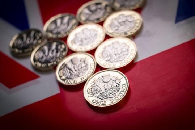 Σχεδόν 4% το πλήγμα στη βρετανική οικονομία μέχρι το 2030 λόγω Brexit