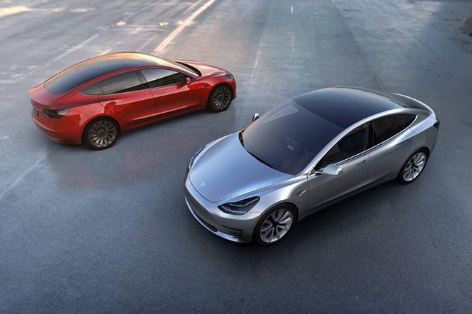 Έφτασε η ώρα της κυκλοφορίας του νέου Model 3 της Tesla