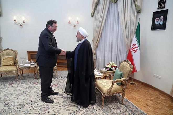 Πέφτουν οι υπογραφές για τη μεγαλύτερη ενεργειακή συμφωνία του Ιράν μετά το εμπάργκο