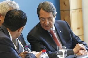 Ο  Πρόεδρος της Κύπρου Νίκος Αναστασιάδης συμμετέχει στη Διάσκεψη για το Κυπριακό στο Crans Montana της Ελβετίας, Τρίτη 4 Ιουλίου 2017. Συνεχίζονται οι συνομιλίες και σήμερα, 7η ημέρα, της Διάσκεψης για το Κυπριακό στο Κραν Μοντάνα της Ελβετίας και η 2η μέρα της διαπραγμάτευσης για το κρίσιμο κεφάλαιο των Εγγυήσεων και της Ασφάλειας. Στις 10.00 αρχίζουν οι συνομιλίες στο τραπέζι (2) για τις εσωτερικές πτυχές και στις 11.00 στο τραπέζι (1) για την ασφάλεια και τις εγγυήσεις. ΑΠΕ-ΜΠΕ/ ΚΥΠΕ/ΚΑΤΙΑ ΧΡΙΣΤΟΔΟΥΛΟΥ