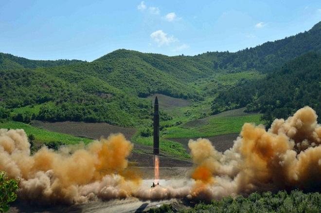 Το χρονικό των δοκιμών βαλλιστικών πυραύλων και πυρηνικών από τη Βόρεια Κορέα