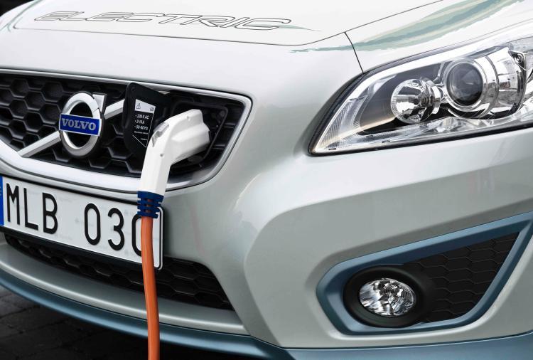 Volvo: Tο 2025 η τιμή αγοράς ενός ηλεκτρικού αυτοκινήτου θα είναι σχεδόν ίση με αυτήν ενός συμβατικού
