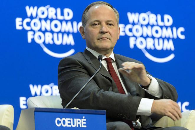 Κερέ: Σωστή αλλά χωρίς λύση για το χρέος η απόφαση του Eurogroup για την Ελλάδα