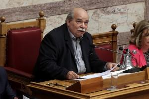 Ο πρόεδρος της Βουλής Νίκος Βούτσης μιλάει στην Ολομέλεια της Βουλής των Εφήβων, Αθήνα, τη Δευτέρα 10 Ιουλίου 2017. Οι εργασίες κορυφώνονται σήμερα με τη συνεδρίαση των «εφήβων βουλευτών» σε Ολομέλεια. ΑΠΕ-ΜΠΕ/ΑΠΕ-ΜΠΕ/ΣΥΜΕΛΑ ΠΑΝΤΖΑΡΤΖΗ